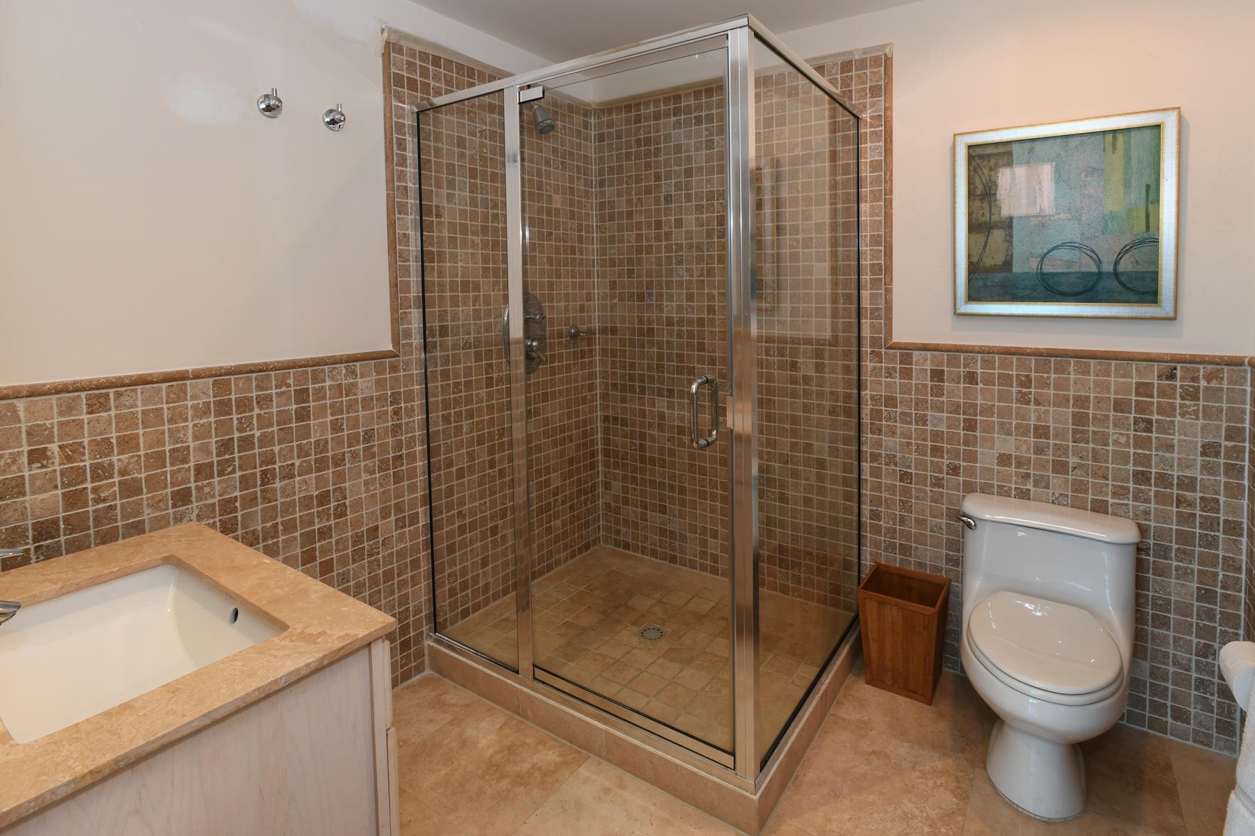 SEASIDE GUEST BATHROOM